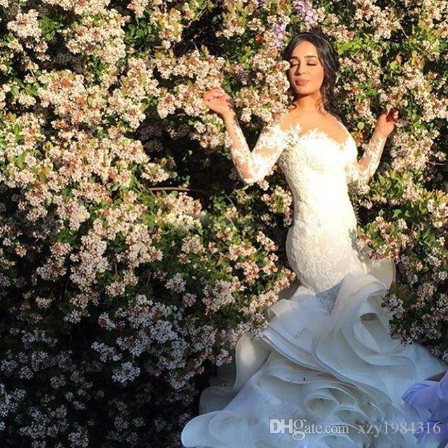 Sehen Sie durch den Halsausschnitt Brautkleider Spitze Appliques Langarm Backless Brautkleider Mode Tiered Cascading Rüschen Lange Brautkleider