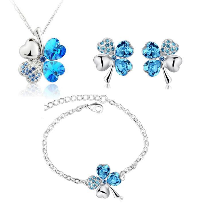 Women Austria Crystal Pendant Necklace Bracelet Earrings Set Fashion Four Leaf Clover Crystal Silver Jewelry Set for Women Girls Gift Cheap