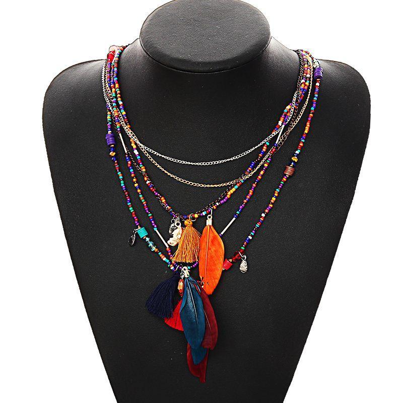 cc74fd18acf5 Compre Multicolores Collares De Plumas Colgantes Beads Cadena Collar  Llamativo Mujeres Collares Joyería Étnica Para Regalos Personalizados A   7.73 Del ...