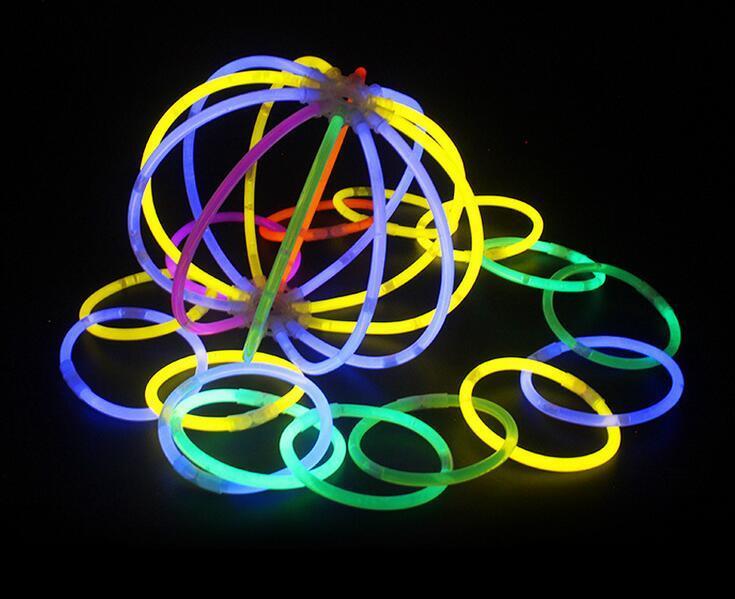Multi Couleur Hot Glow Stick Bracelet Colliers Neon Party LED Clignotant Baguette Baguette Nouveauté Jouet LED Concert Vocal LED Flash Sticks