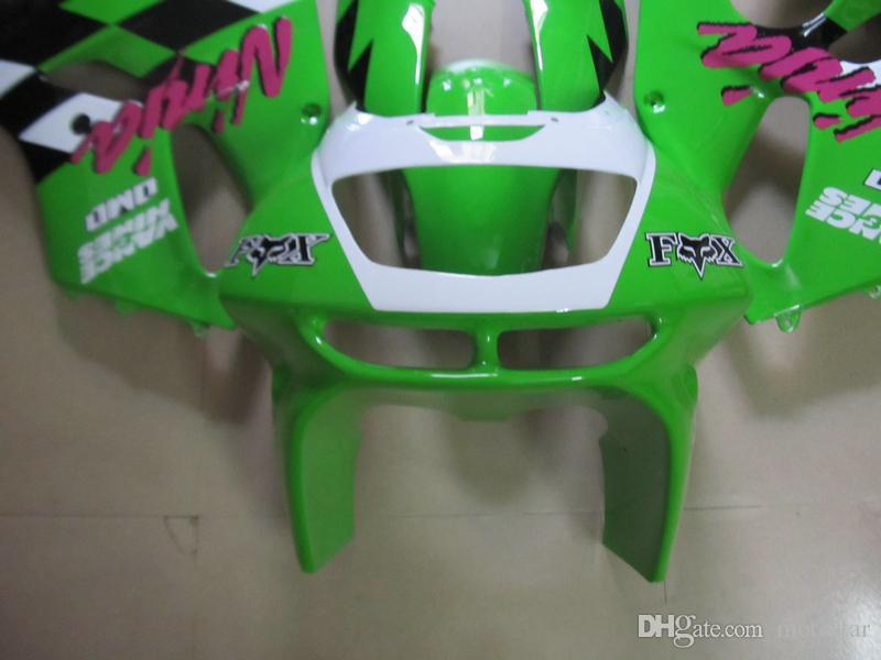 Partes del cuerpo del mercado de accesorios Kit de carenado para Kawasaki Ninja ZX6R 1994-1997 carenados de la carrocería negro blanco verde conjunto zx6r 94 95 96 97 OT21