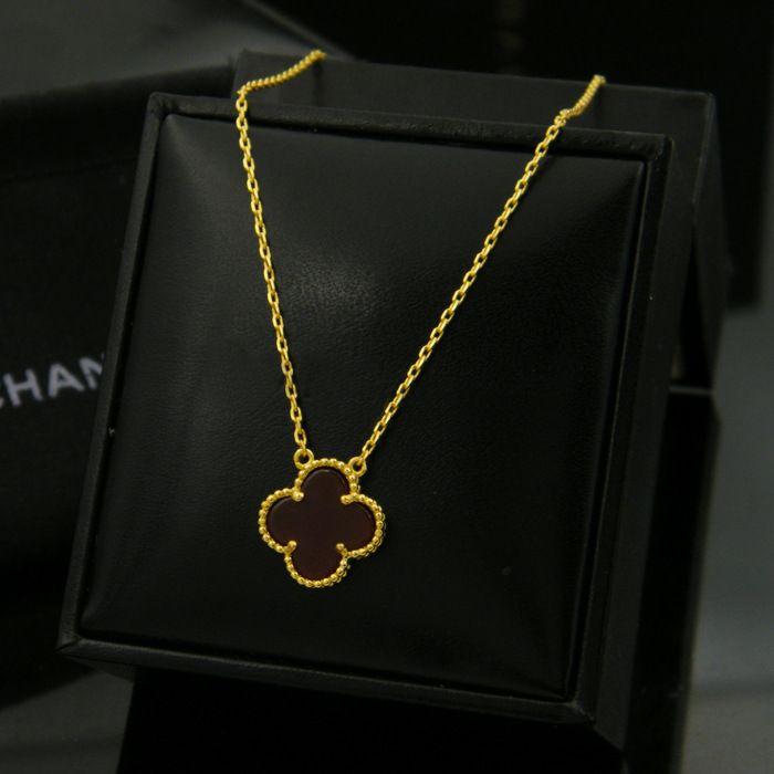Venta caliente chapado en oro negro blanco rojo amante de la hoja de ágata flor colgante con collar de cadena corta gargantilla para mujeres
