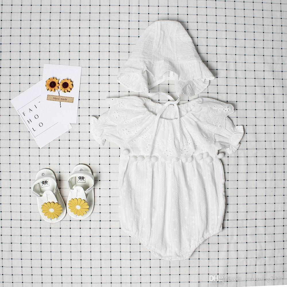 Einzelhandel INS Sommer Herbst Neue Baby Mädchen Baumwolle Jacquard Weiß Pom Pom Lace Bodys Mit Hut Neugeborene Kleidung 0-3 T EG009
