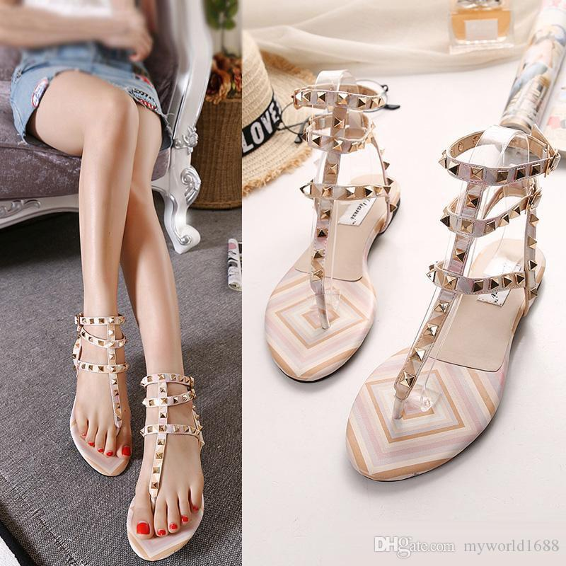 5ea8319f0553f New Rock-Stil Nieten flache Sandalen Frauen Flip Flops Patchwork T Riemen  Flip Flop Schuhe Größe 35 bis 39