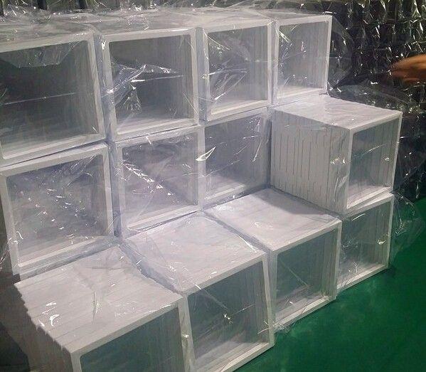 100 stks / partij schaar elastische membraan sieraden display box horloge display box suspenderende doos 108x108x18mm