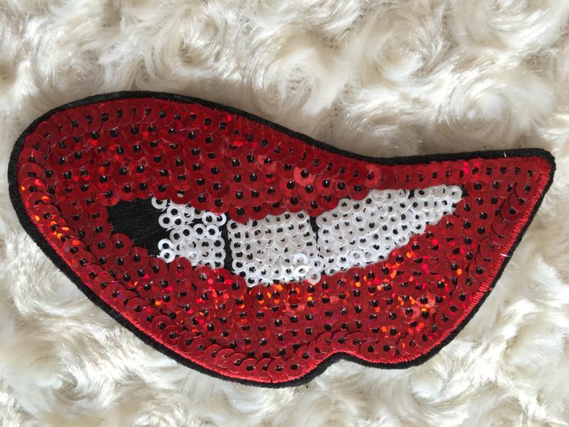 1 ensemble de patchs à paillettes brodées comprenant 6 pièces de motifs de zébrures sur les lèvres