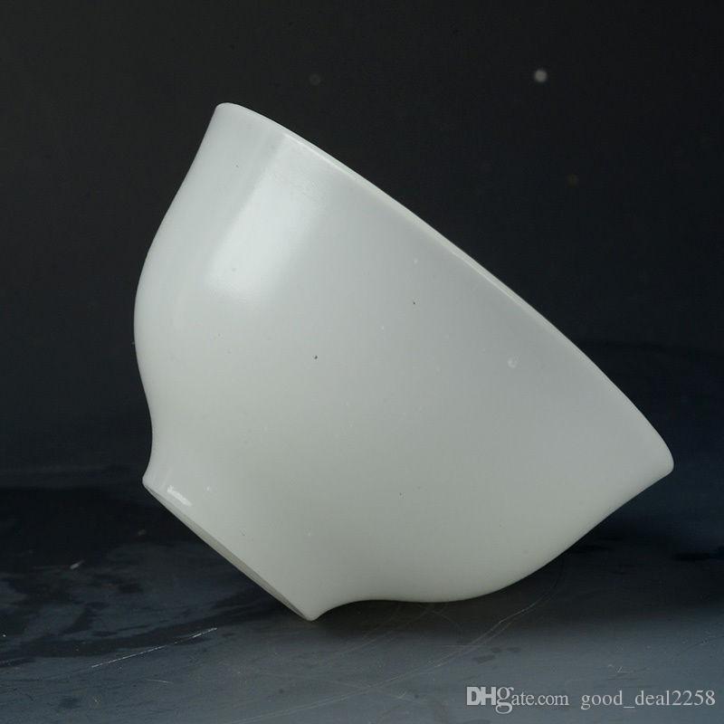 Superbe bol en jade blanc naturel sculpté à la main