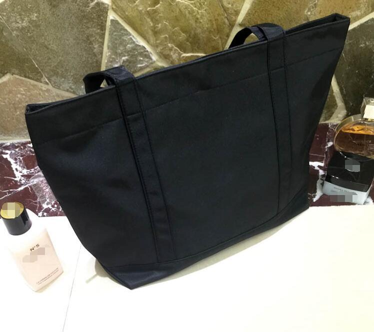 Logo de lentejuelas clásicas bolsa de compras Lentejuelas Bolsas Oxford gruesas patrón clásico Bolsa de viaje Bolsa de lavado de maquillaje para mujeres