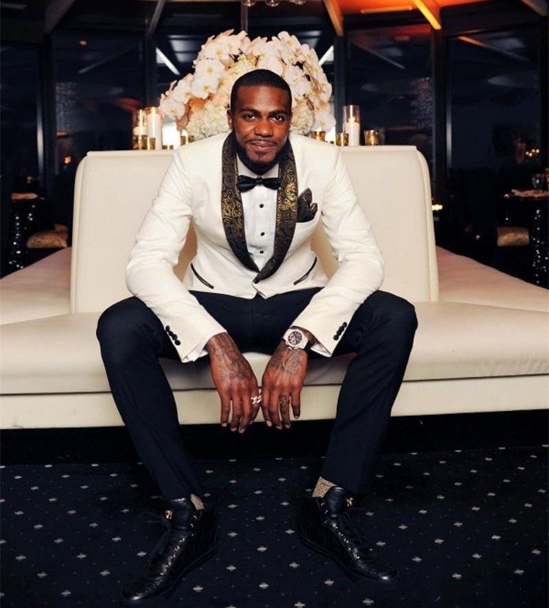 Hermoso blanco de la boda esmoquin Slim Fit oro se adapta al modelo Laple para los hombres barato un botón del novio Traje Sólo La chaqueta y el pañuelo