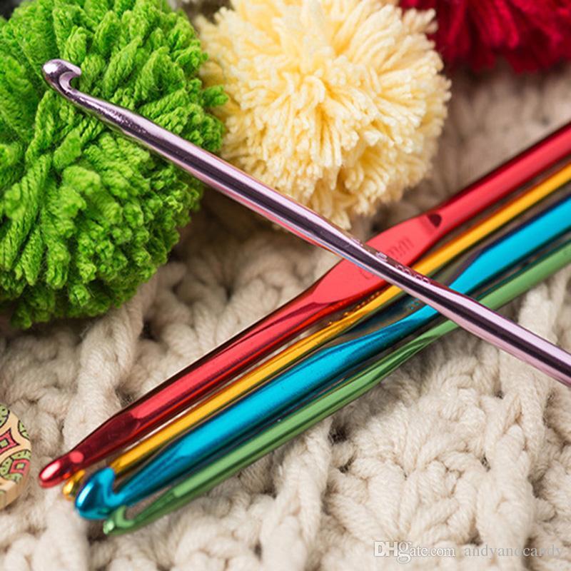 22 Adet Set Çok renkli Alüminyum Tığ Hooks İğneler Örgü Dokuma El Sanatları İplik Dikiş Araçları Tığ Hooks Örme İğneler Craft Aksesuarları