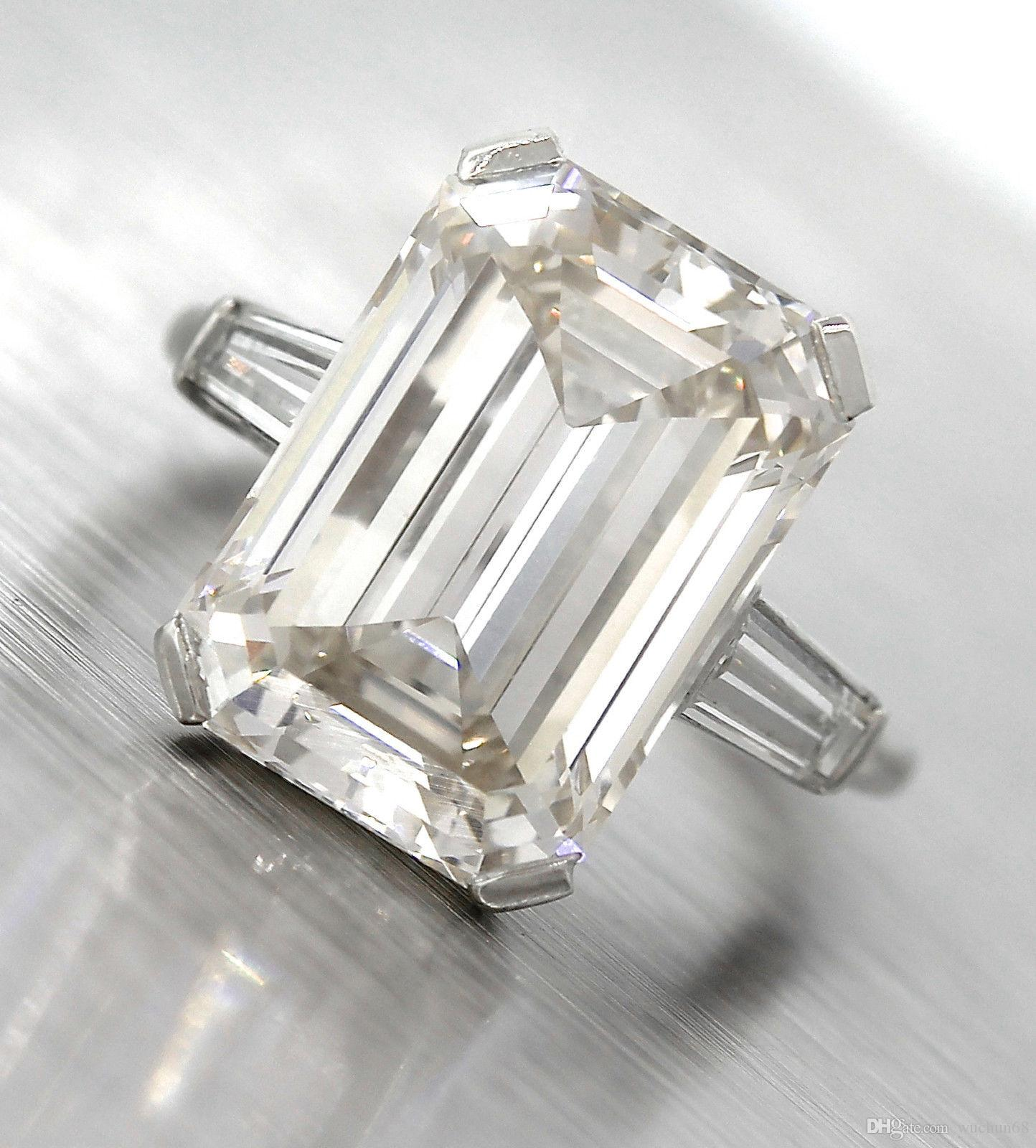 Lavish Platinum 10 80ct K VS1 Emerald Cut Diamond Baguette