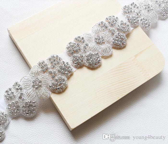 high-quality fashion flower crystal beaded applique hotfix rhinestone motif bridal headband decoration crafts garment accessory.