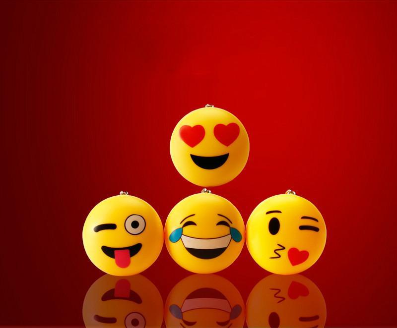 Großhandel Led Qq Emoji Anhänger Schöne Tasche Ornamente Werbe