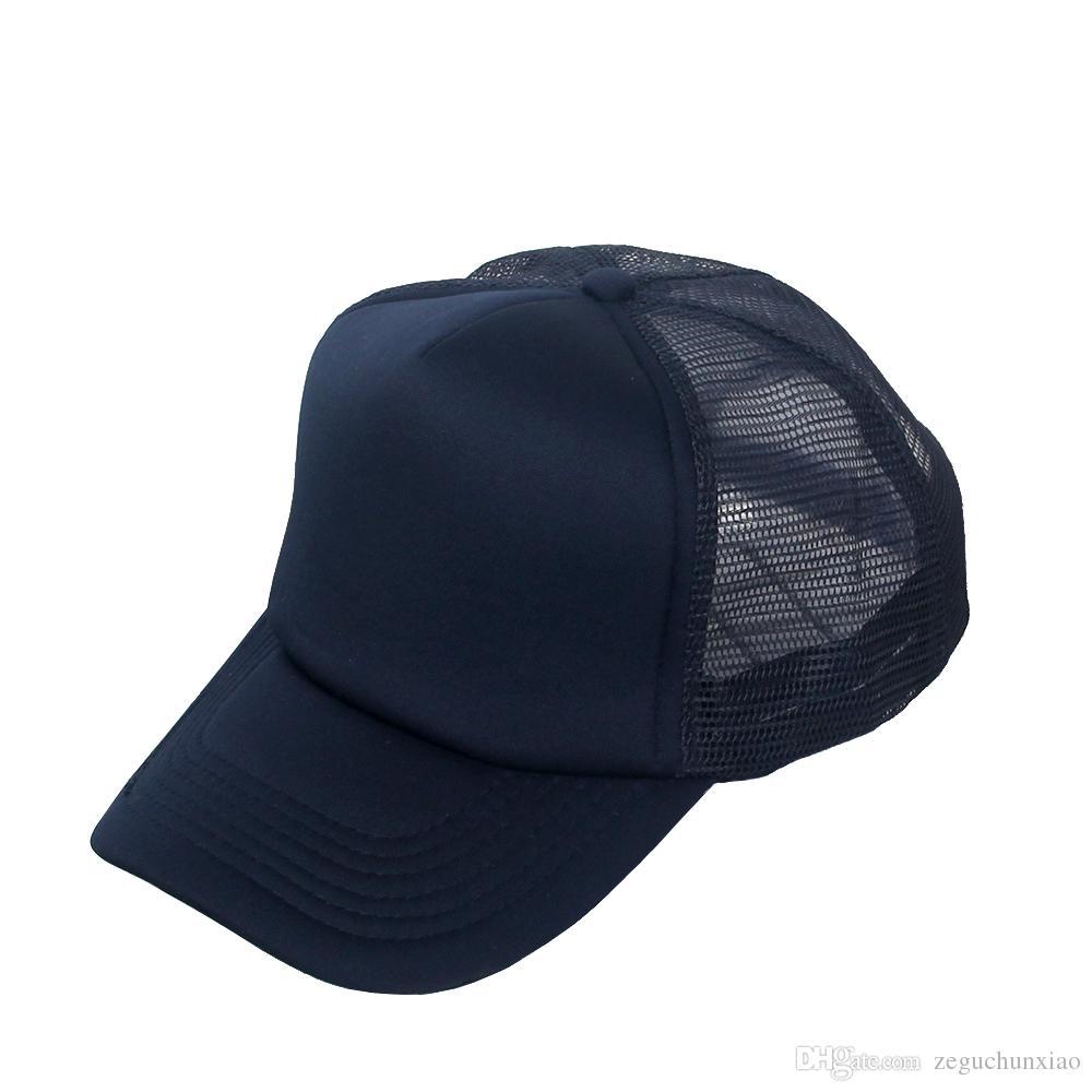 Compre Moda Hot Clássico Chapéu Boné De Malha Barato Mesh Cap Estilo Verão  Ajustável Em Branco Bonés De Beisebol De Malha Para Mulheres Dos Homens De  ... 11e83e2cc1b