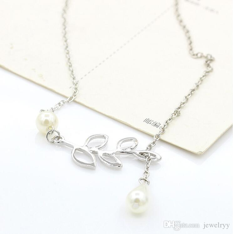 Unique Silver Jewelry Chic Pearl Hollow Leaf Pendant Necklace Women Charms Pearl Chain Necklace for wedding party
