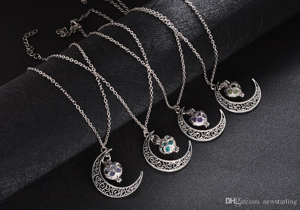 Mode Luminous Glühen in den dunklen Halskette Sailor Moon Anhänger Halskette für Frauen höhlen Liebes-Herz-Halskette Halloween-Weihnachtsgeschenke