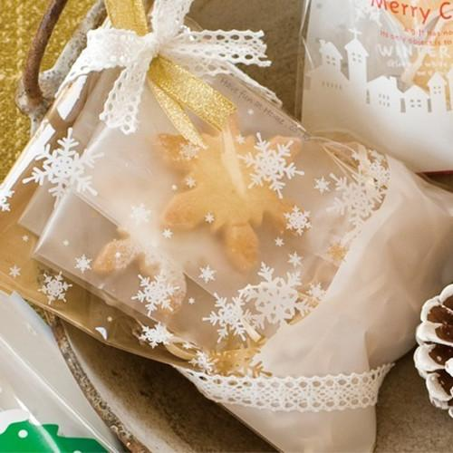 Snowflake self adhesive plastic Merry Christmas clear cookie pack bags for gift packaging party supplies 10*10cm free shipping