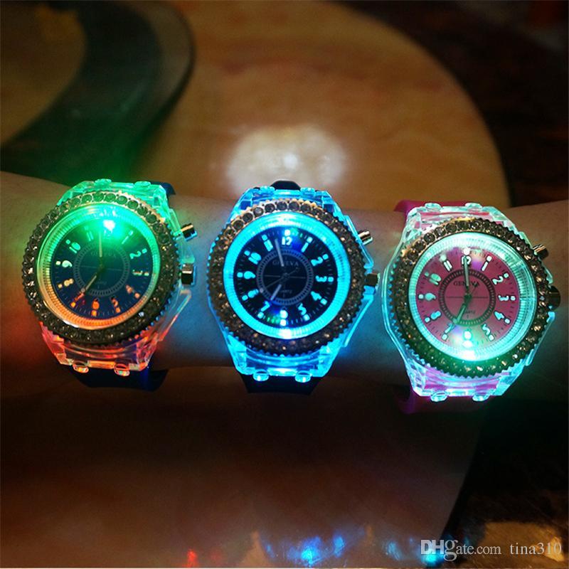 Neuer kreativer intelligenter Touch Screen Entwerfer der Qualitäts führte blinkende Sport-Mens-Uhr passt Armbanduhren IC700 auf