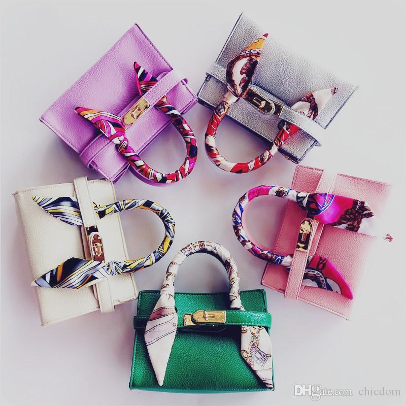 جدي جديد حمل حقيبة مع وشاح أنيق حقيبة يد الطفل مصمم فتاة كيد المحافظ حقيبة الكتف أزياء الأطفال حقائب البسيطة الطفل BAG هدية CM002