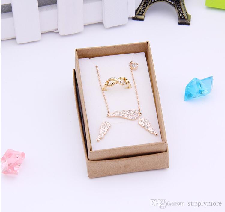 618eaefcf2a1 Pequeñas Cajas de Regalo para la Joyería Venta Caliente Collar Pendientes  Anillo Pulsera Caja Exhibición Accesorios de Joyería Embalaje Venta de  Fábrica