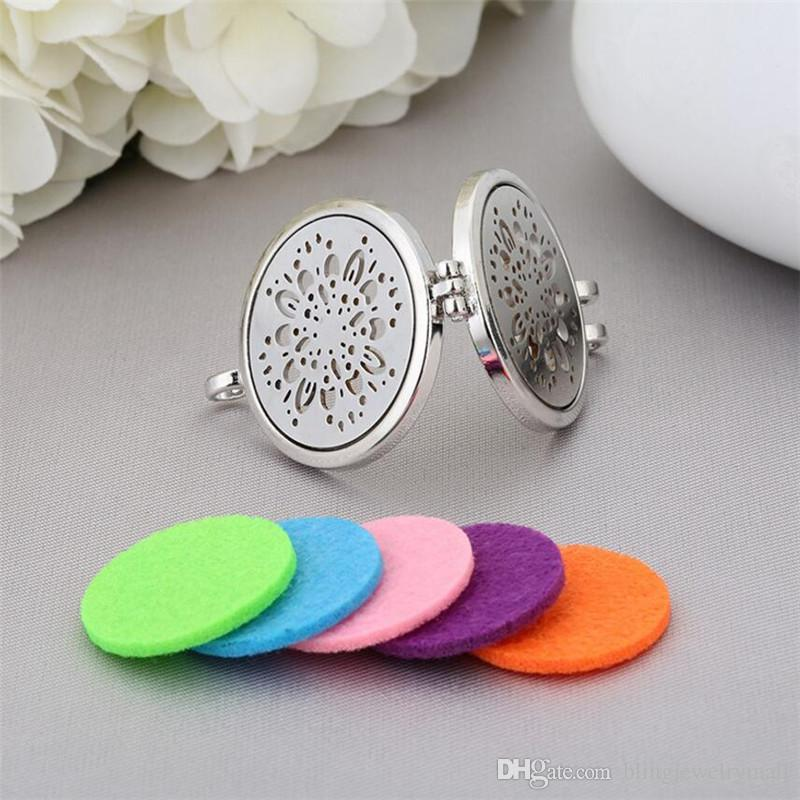 28 styles Hollow Vintage Necklace Aromatherapy Locket Essential Oils Diffuser Locket Perfume Pendant Necklace Felt Pads randomly freely