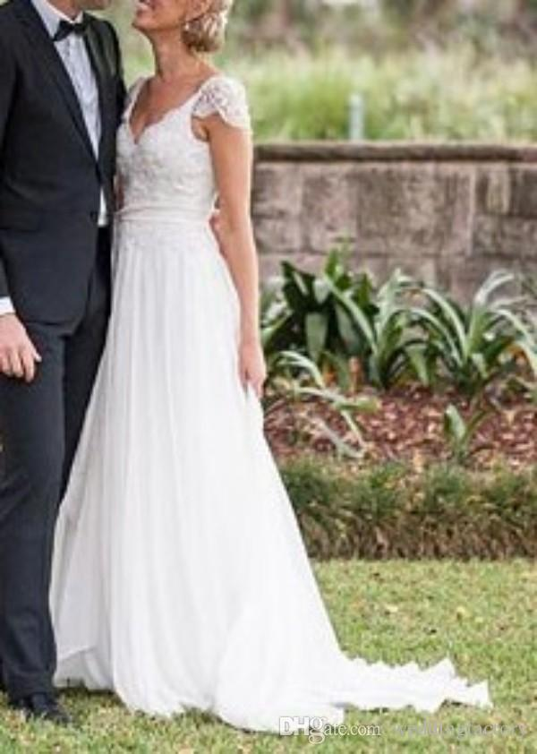 Superbe épaule plafonné robe de mariée de pays col en V Appliques Top dos nu en mousseline de soie robes de mariée de plage avec ceinture sur mesure