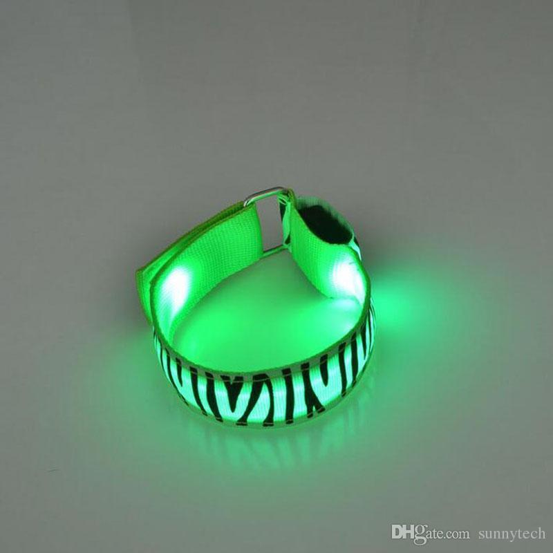 geführtes Armband mit Zebra-Druck blinkendes Armband Weihnachtsfest decortion Ereignisbeleuchtung im Freien Armband ZA5433