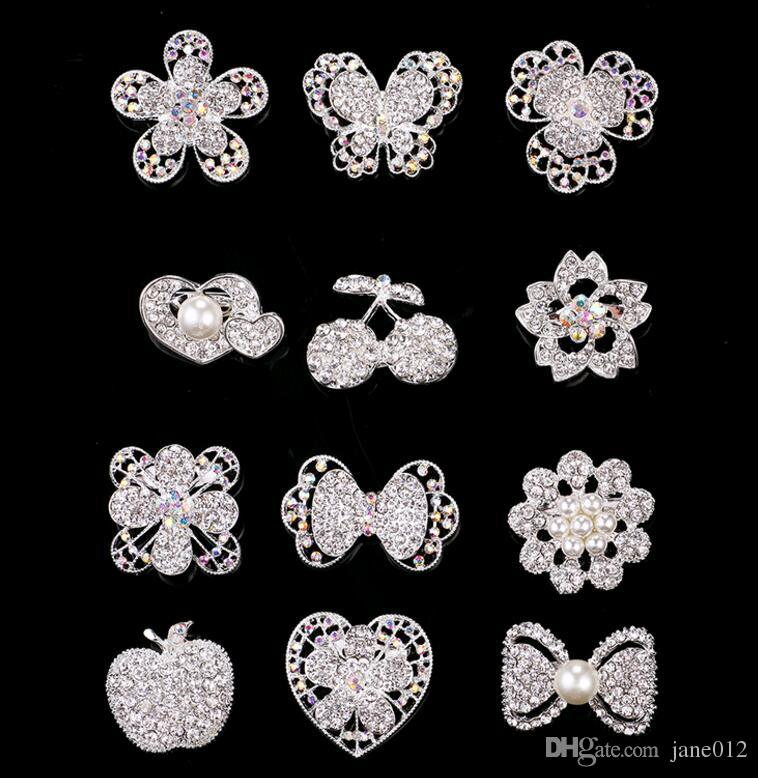 Upscale Smaller Korea Pearl Flower Brooches Crystal Rhinestone Heart Butterfly Party Prom Pins Brooch Mix