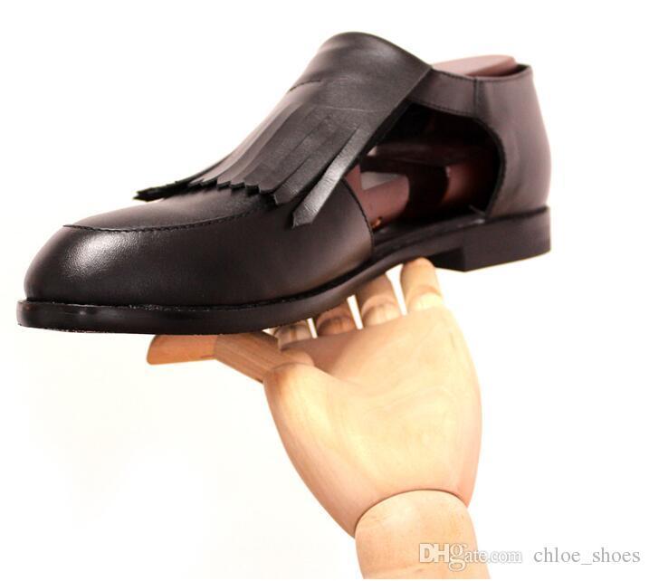 Sapatos de couro feitos à mão dos homens dos gladiadores da borla da vaca Deslizamento clássico no estilo britânico Sapatas de couro genuínas cortadas do salto retro