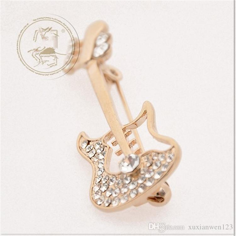 Hot sale wholesale Fashion scarf jewelry clear rhinestone guitar Musical Instrument Brooches violin pins