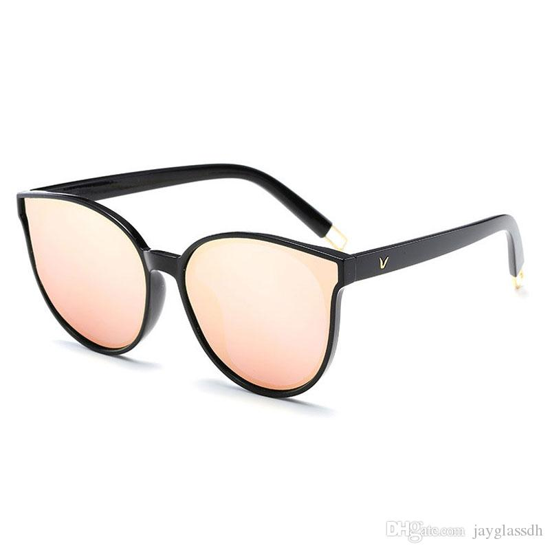504ca46698f 2018 Hot Selling Fashion V Women Sunglasses Polarized Eyewear Accessory  Luxury New Design Summer Style Female Girl Sun Glasses UV400 Best Sunglasses  Dragon ...
