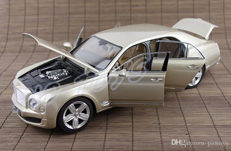حار بيع هدية موس 1/18 كبير نموذج سيارة سبيكة سيارة لعبة فاخرة جمع التفاصيل كل شيء الرجال أفضل هدية عشاق السيارات
