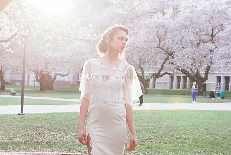 2018 Vestidos de novia modestos Encogiéndose de hombros Bohemio Boleros de la boda Apliques de encaje de tul nupcial Boho Chaquetas de novia