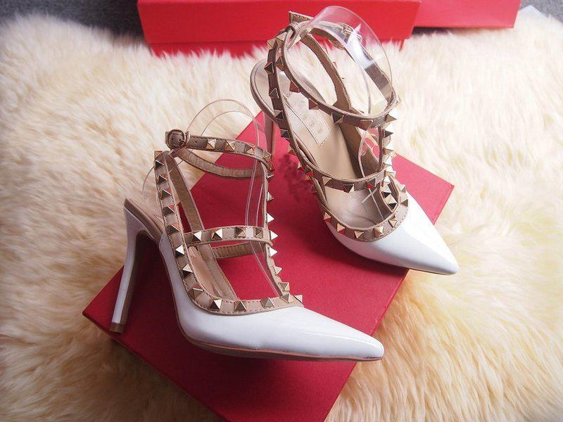 2017 Designer women high heels party fashion rivets girls sexy pointed shoes Dance shoes wedding shoes Double straps sandals