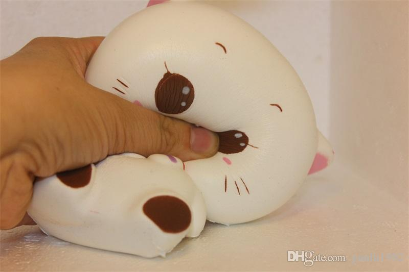 White Animal Squishy Slow Rebound Decompression Game Squishies Hand Toys Kawaii Small Cat Extrusion Ball For Adults Reduce Stress 8lg CR