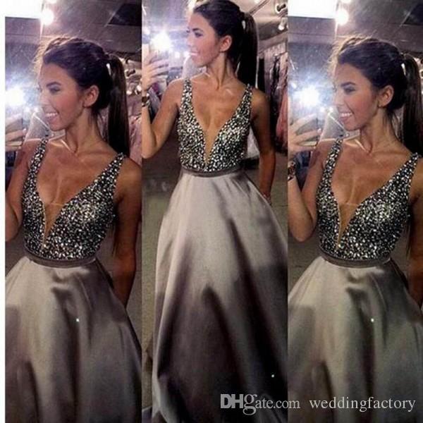 Prachtige kralen kristallen sexy dompelen v-hals prom jurken lange formele backless avond feestjurken vloer lengte mouwloze formele slijtage