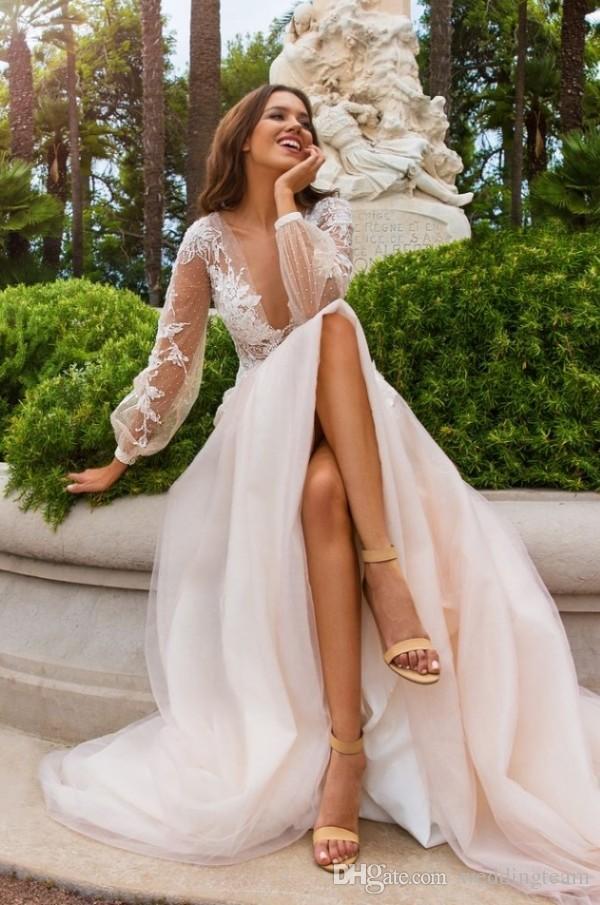 로맨틱 Boho 샴페인 라인 웨딩 드레스 딥 브이 넥 긴 소매 Tulle 신부 가운 3D 꽃 아플리케 비즈 비즈 웨딩 드레스