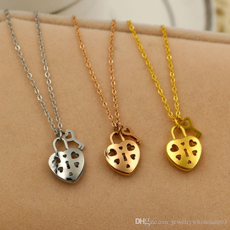 Wholesale Wholesale New Korean All Match Pierced Heart Lock Key