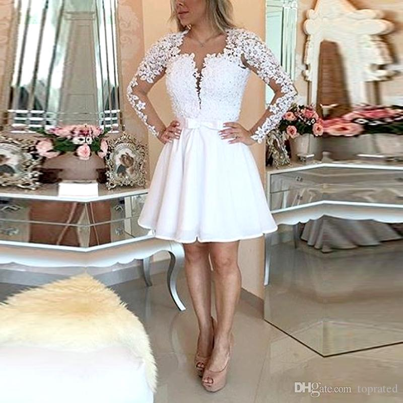 Sexy Backless Bianco A Line Beaded Pizzo Abiti Homecoming manica lunga Sash 2018 Breve Prom debuttante 15 Abiti Cocktail Party Abiti