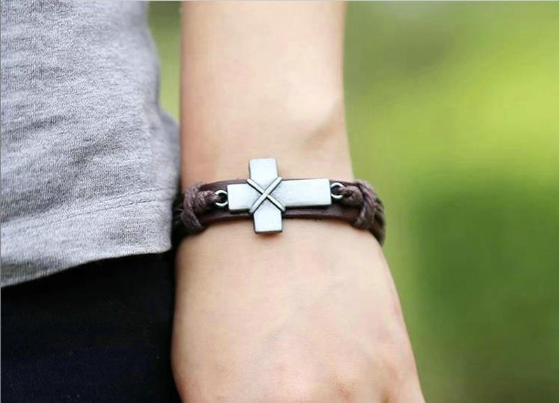 Croix d'Argent Vintage Christian Bracelets en cuir pour femmes Handamde Punk bracelet en cuir Femme Bijoux Cadeaux Bijoux en gros