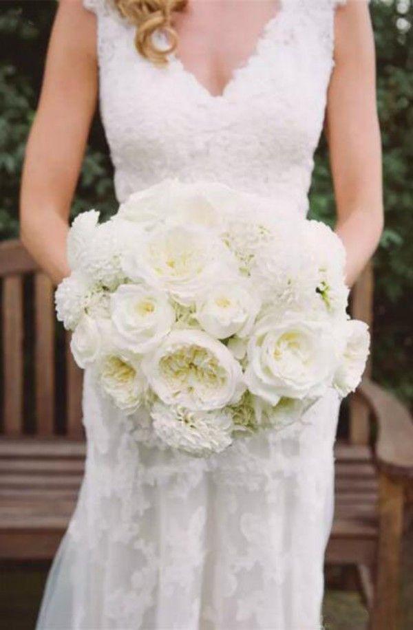 Vintage kant backless trouwjurken cap sleeves v hals applique landelijke stijl schede bruidsjurken met overdekte knoppen