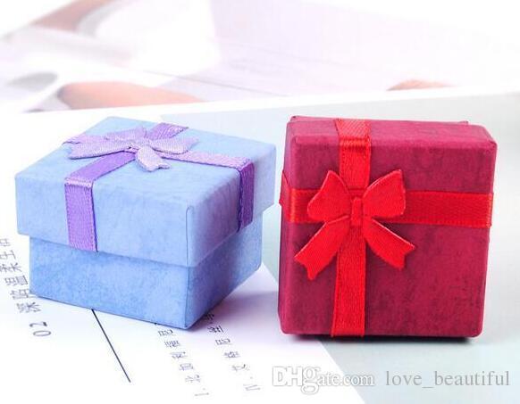 Caja de papel de almacenamiento de joyas Caja de regalo de múltiples colores anillo pendiente del perno prisionero para la joyería 4 * 4 * 3 cm envío gratis /