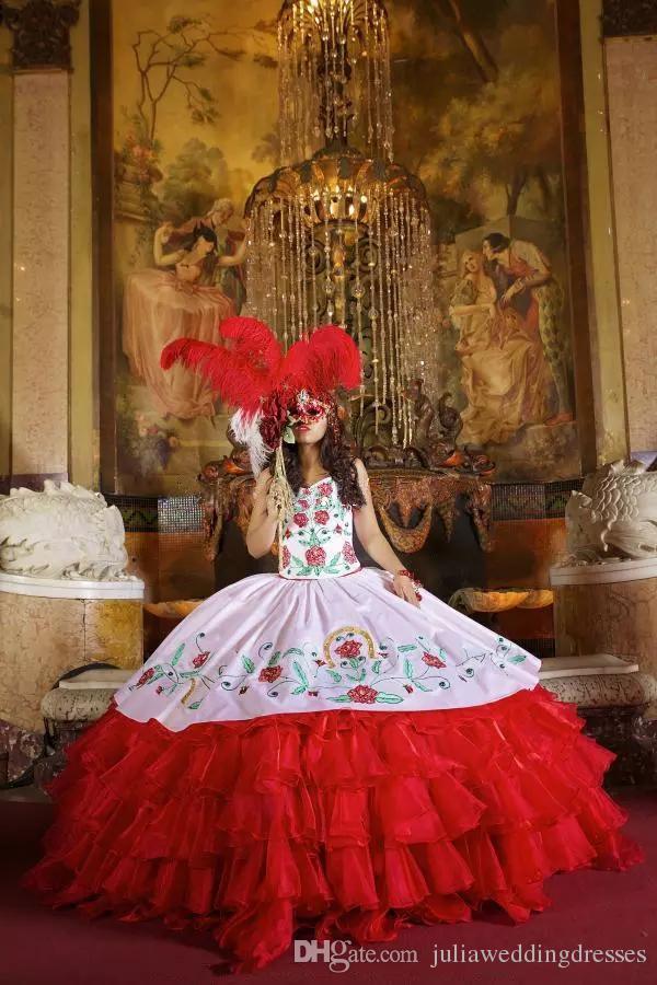 2017 Sexy Chérie Broderie Robe De Bal Quinceanera Robes Satin Sweet 16 Robe Dentelle Up Floor Longueur Robe De Festa BM85