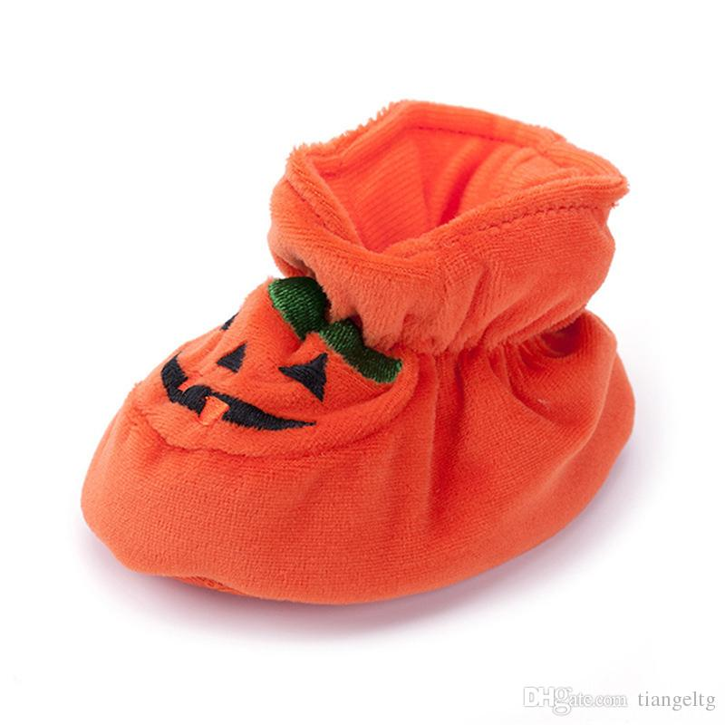 38fa745d437b4 Halloween Baby Moccasins Pumpkin Shoes Warm Soft Sole Anti-slip Baby Shoes  Infant Toddler Walking Shoes Prewalkers 0-24 M