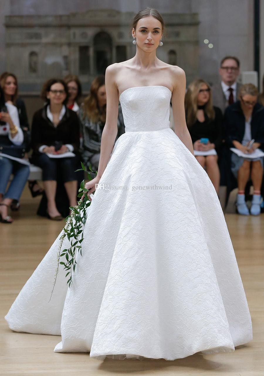 Simple clean ball gown wedding dresses 2018 oscar de la renta bridal simple clean ball gown wedding dresses 2018 oscar de la renta bridal strapless neckline embellished bodice chapel train ballroom gown wedding dresses bridal junglespirit Choice Image