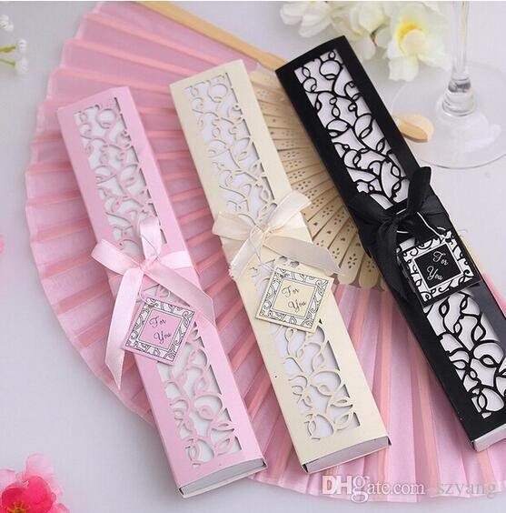 100 pçs / lote Personalizado Luxuoso Dobrável de Seda mão Fan em Elegante Caixa de Presente-Corte A Laser + Favores Do Partido / Presentes de casamento + impressão