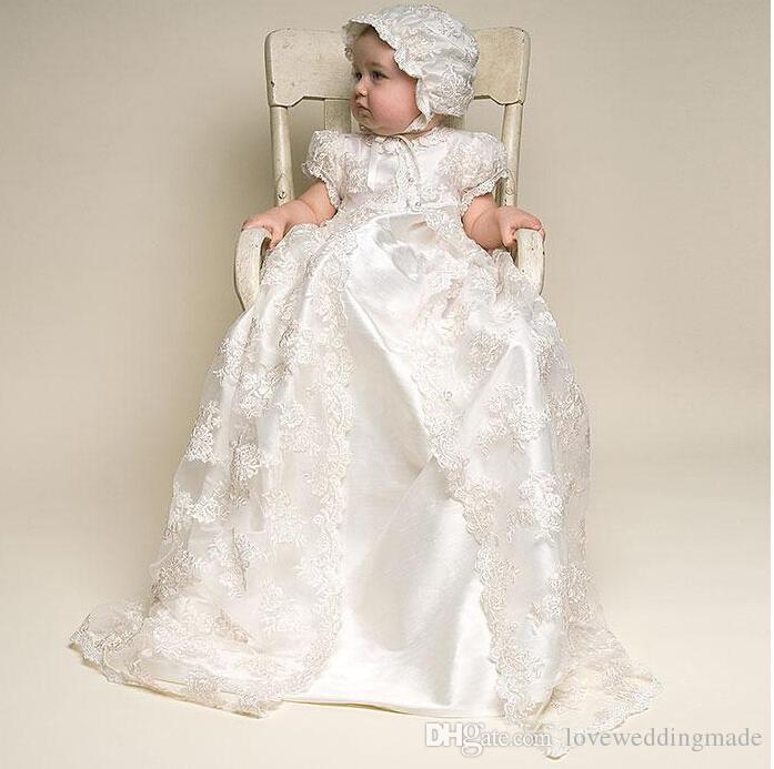 Vestidos de bautizo del bebé recién nacido lindo que se arrastra 2017 mangas cortas calientes Vestidos de bautismo del niño del satén largo con el sombrero de la chaqueta del cordón