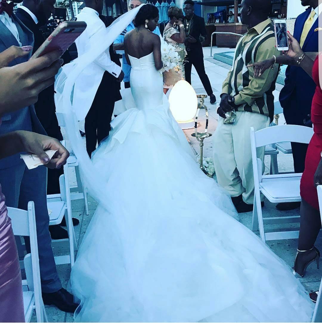 الساتان النقي حورية البحر الأبيض فساتين الزفاف الحبيب ruched الكاتدرائية قطار رائع أثواب الزفاف peplum تنورة فساتين العروس الأفريقية