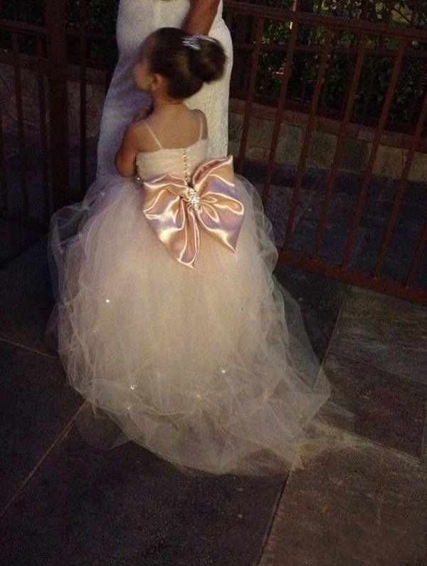Pageant elbise Kızlar Için Spagetti Kolsuz Çiçek Kız Elbise Beyaz Fildişi Şampanya Çocuklar Abiye Gelinlik Kanat Boncuk Kemer