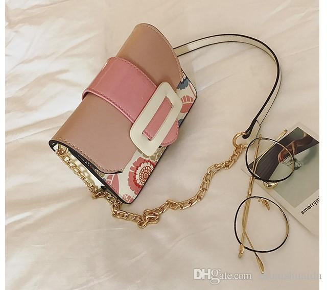 2017. New pattern. Small. Mini. Metal chain. Leisure fashion bag. Women's Bags. PU. Soft. Girl. Cross Body.Shoulder Bags. Mobile phone bag.